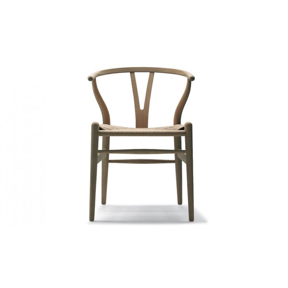 arredo-dal-pozzo-arredare-casa-in-stile-nordico-con-carl-hansen-&-son-sedia-ch-24-wishbone-chair.jpg