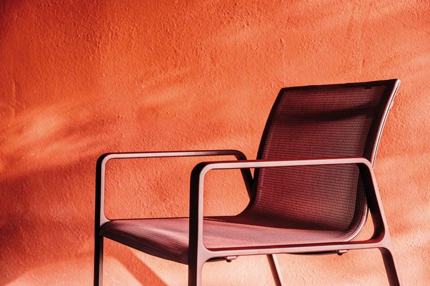 Kettal-Arredo-dal-pozzo-Come-progettare-tavoli-e-sedie-da-giardino-con-i-colori-di-Kettal-07.jpg