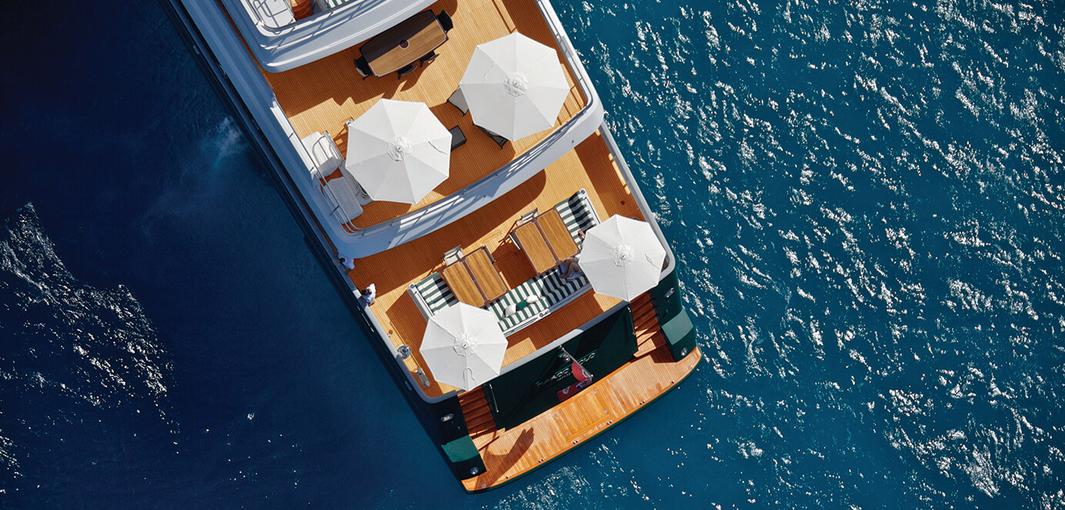 ad-arredo-dal-pozzo-scegliere-ombrellone-tuuci-per-lo-yacht-ocean-master-classic.png